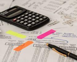 Czy wykonawcy mogą ponosić negatywne konsekwencje zastosowania podstawowej stawki podatku VAT zamiast preferencyjnej na gruncie przepisów ustawy Pzp?