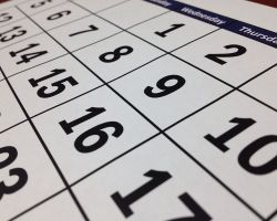 Brak jest obowiązku przedstawiania dokumentów potwierdzających spełnienie warunków udziału w postępowaniu z datą sprzed składania ofert