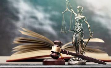 Przesłankami miarkowania są znaczne wykonanie zobowiązania przez dłużnika oraz rażące wygórowanie kary umownej i obie te przesłanki miarkowania są równorzędne i rozłączne