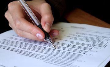 Czy zaświadczenie o niezaleganiu z opłacaniem podatków musi być wydane właściwego naczelnika urzędu skarbowego?